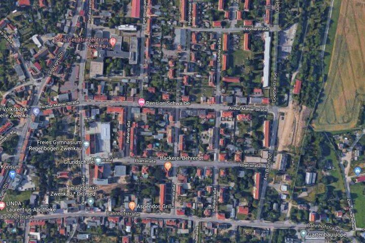 Der Unfall ereignete sich auf der Schillerstraße in Zwenkau.