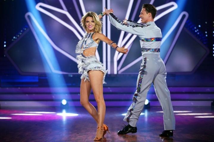 Ella Endlich tanzt mit ihrem Partner Valentin Lusin.
