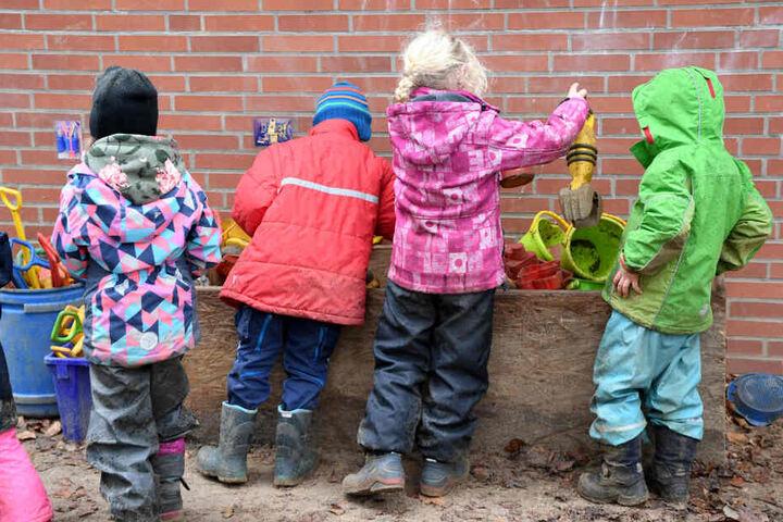 In NRW könnte es bald eine Masern-Impfpflicht für Kinder geben (Symbolbild).