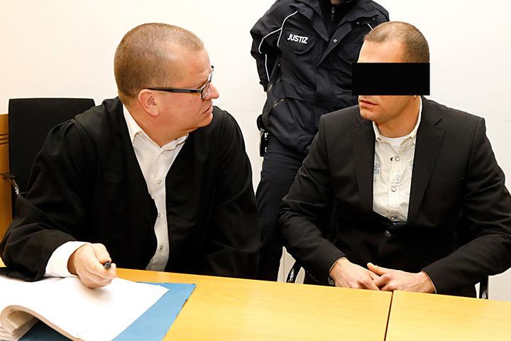 Michael S. (36) drohen bis zu 15 Jahre Haft. Der Lagerist stach einen  Studenten nieder, entschuldigte sich dafür.