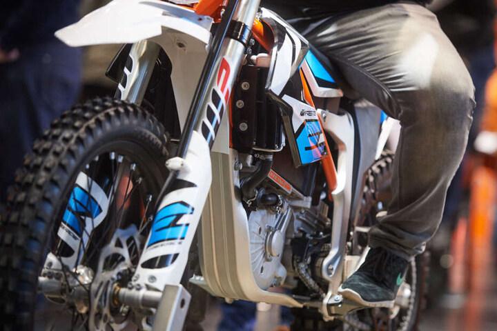 Die verschiedensten Modelle von Motorrädern gibt's in Erfurt zu sehen.