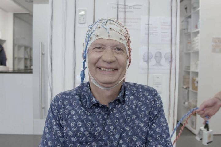 Günther Jauchs Gehirn wird am Max-Planck-Institut von Neurowissenschaftlern unter die Lupe genommen.