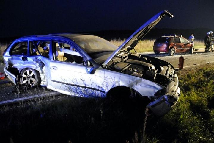 Bei dem Unfall wurden mehrere Personen verletzt.