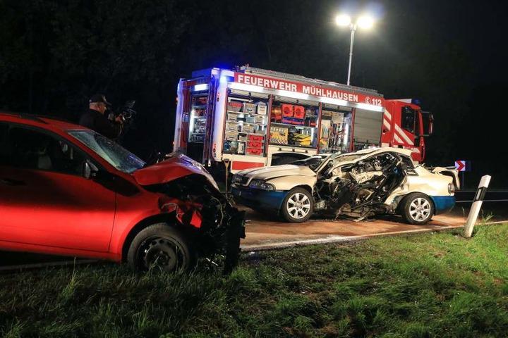 Die beiden Insassen des Audi hatten keine Chance, sie verstarben noch am Unfallort.