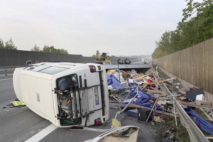 Die zwei Insassen wurden bei dem Unfall leicht verletzt.