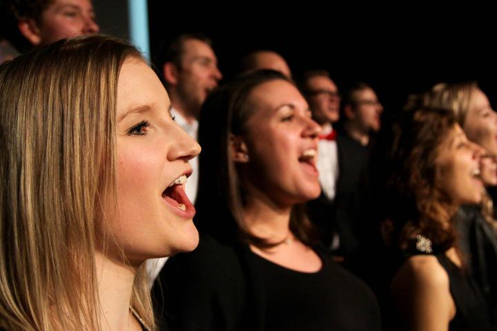 Ihnen liegt Musik im Blut! Die Mitglieder vom Voicepoint-Choir geben bei  ihren Konzerten alles!