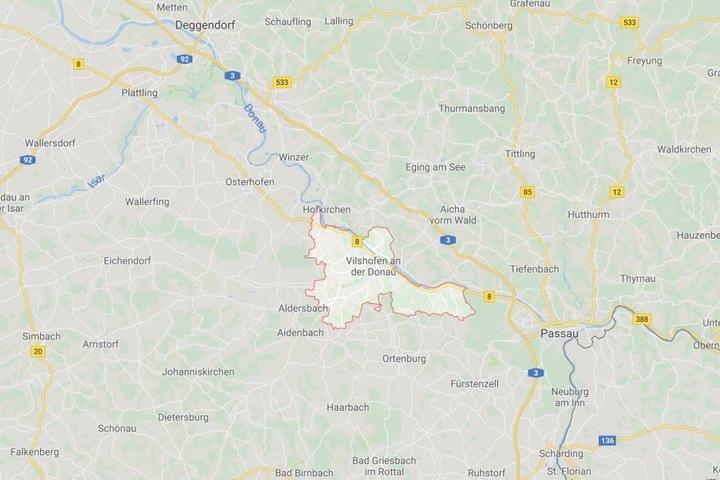 Die schreckliche Messerattacke auf den wehrlosen Jungen fand in Vilshofen bei Passau statt.