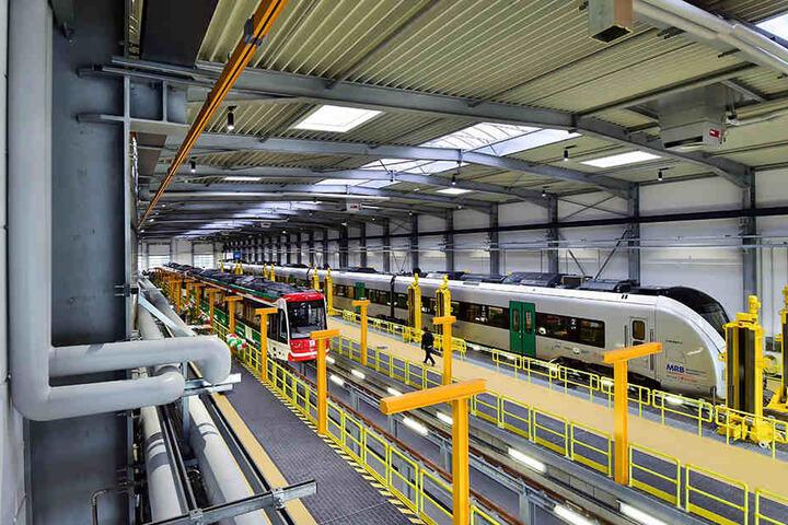Die neuen Züge der Regiobahn fallen aus. Darum sucht der Betreiber Ersatzzüge.