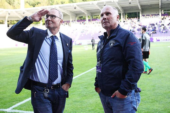 Glück Auf: Sie sind die Macher des FC Erzgebirge seit 1992. Heute feiern Helge (r.) und Uwe Leonhardt ihren 60. Geburtstag.