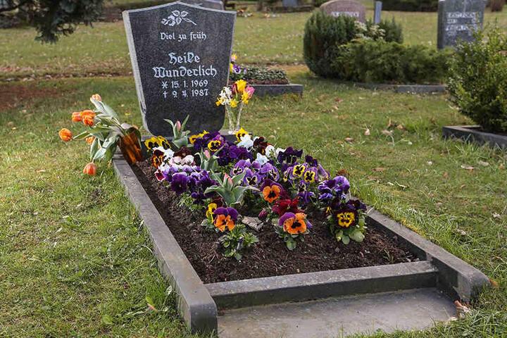 Das Grab von Heike Wunderlich auf dem Friedhof Altensalz.
