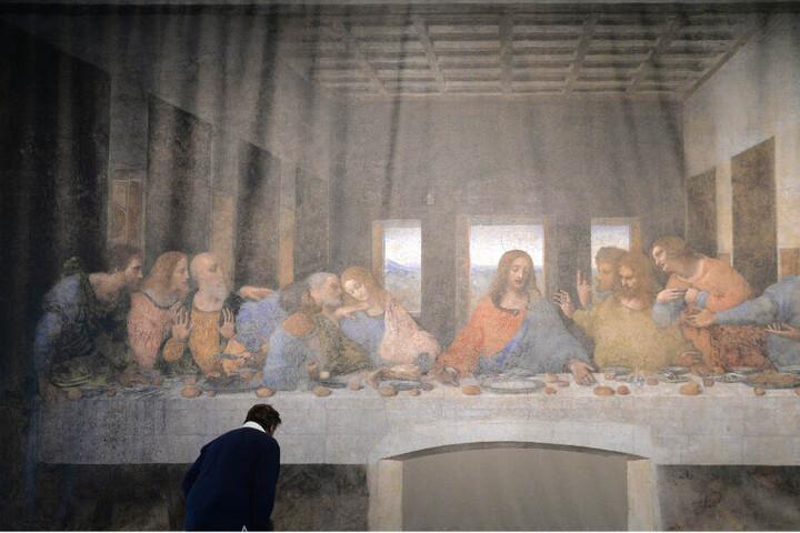 """Das """"Abendmahl"""" von Leonardo da Vinci wird in der Kunsthalle Tübingen von Besuchern nachgestellt. (Archivbild)"""