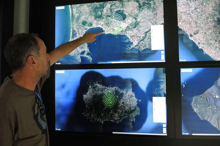 Im Vulkan-Observatorium in Neapel hat man die Phlegräischen Felder genau im Blick.