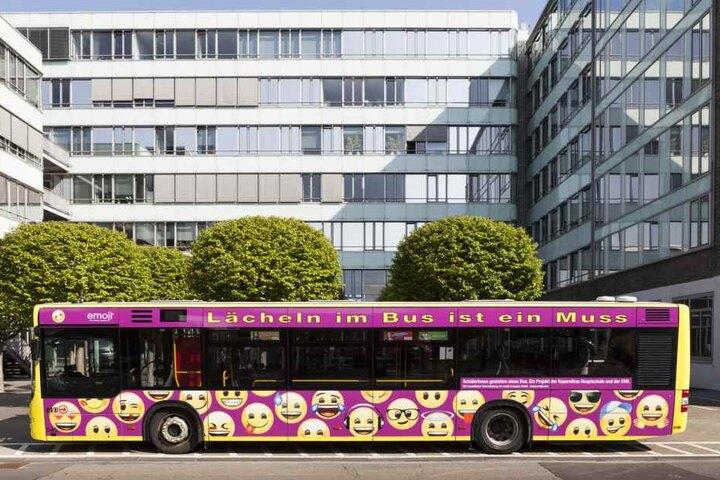 Der Bus soll für gute Laune und einen besseren Umgang der Fahrgäste untereinander sorgen.
