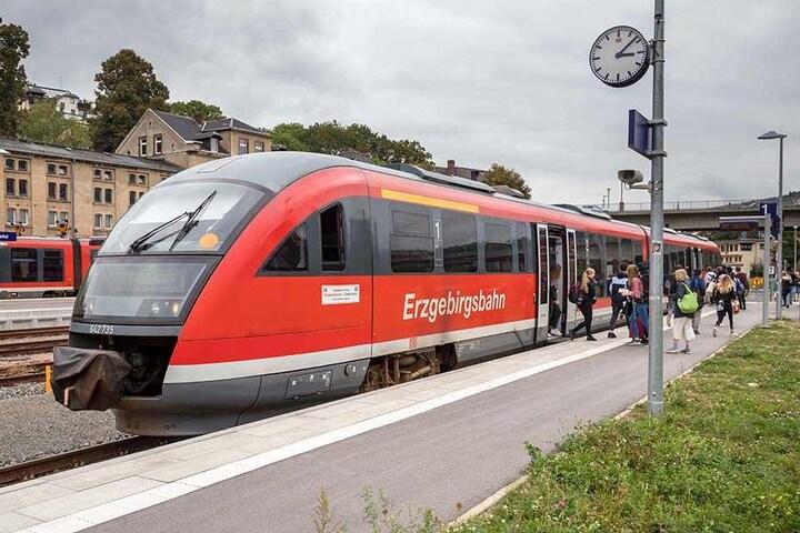 """Ab 2020 sollen die Citybahnen des """"Chemnitzer Modells"""" auch im Bahnhof Aue ankommen und abfahren."""