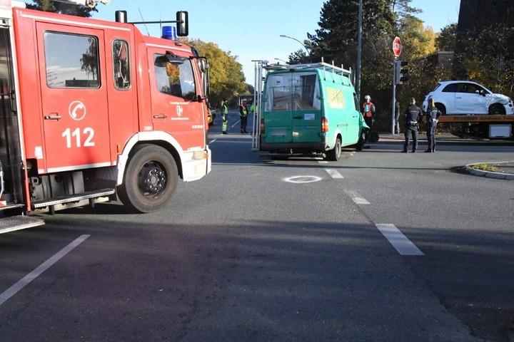 Beide Unfallwagen wurden abgeschleppt.