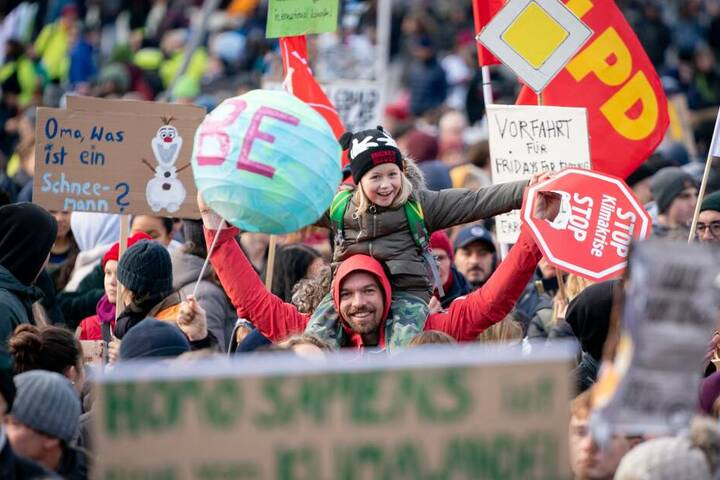 Sie alle sind einem Aufruf der Bewegung Fridays For Future gefolgt.