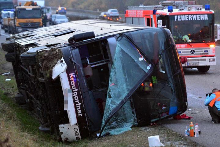 Ein Kind starb bei der Bustragödie auf der A4.