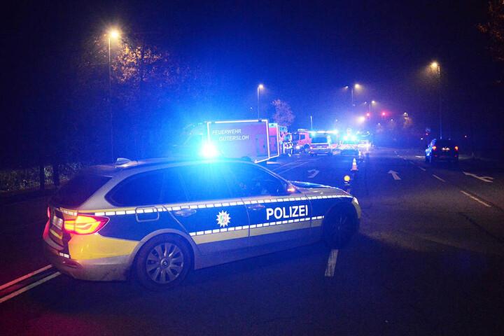 Die Straße wurde kurzzeitig von der Polizei abgesperrt.
