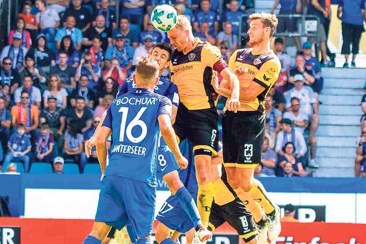 Zumindest dieses Kopfballduell mit Ex-Dynamo Anthony Losilla konnte Marco  Hartmann für sich entscheiden.