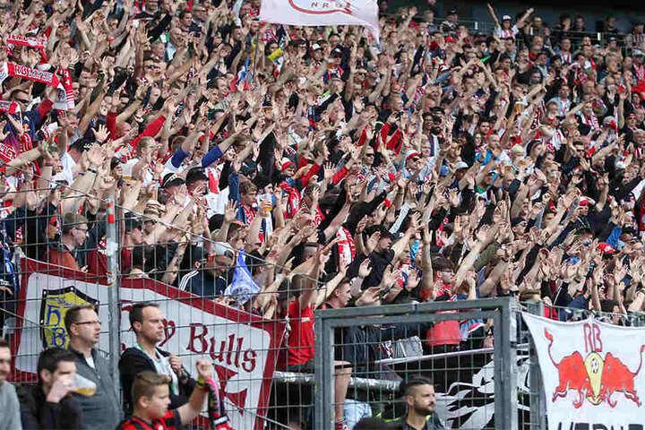 Lange feierten die RB-Fans einen sicher geglaubten Sieg, doch der wurde Leipzig in den letzten Minuten noch aus der Hand gerissen.