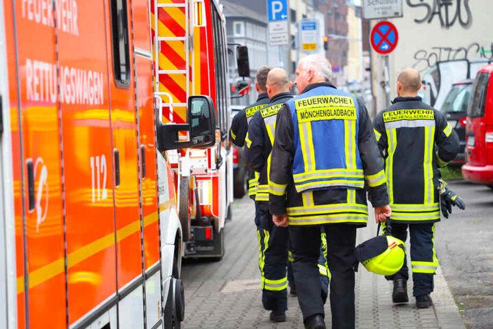 Zahlreiche Rettungskräfte waren am Unglücksort, verletzt wurde zum Glück niemand.