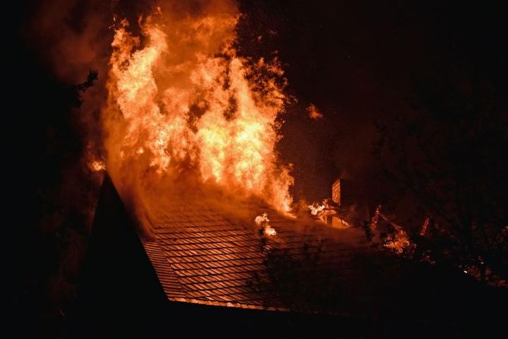 Die Feuerwehr war mit 40 Kameraden im Einsatz.
