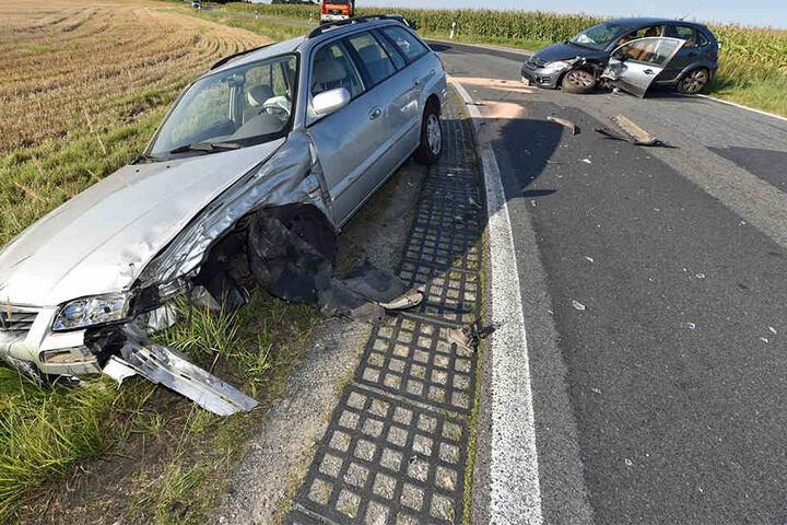 Wegen des Unfalls musste die Staatsstraße gesperrt werden.