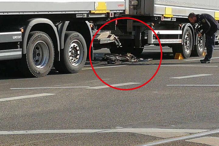 Der Sattelschlepper hatte die Radlerin auf dem Innenstadtring erfasst.