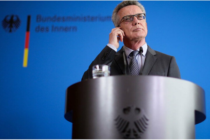 Bundesinnenminister Thomas de Maizière (62, CDU).