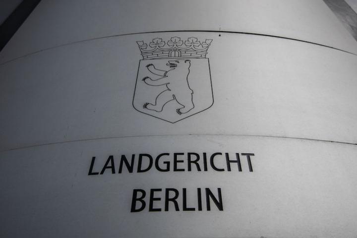 Der widerliche Vorwurf gegen den 60-Jährigen wird am Berliner Landgericht verhandelt.