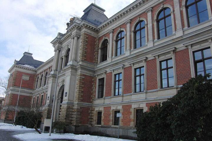 Das Landgericht in Zwickau. Hier wird der Prozess um den Mord an Heike Wunderlich neu aufgerollt.