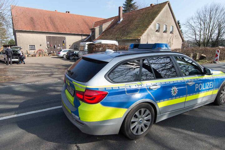 Die Polizei hat die Suchmaßnahmen in Hille vorerst eingestellt.