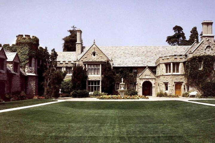 """Die Blondine lebte damals wohl nach dem Motto: """"Was in der Playboy-Villa passiert, weiß irgendwann die ganze Welt!""""."""