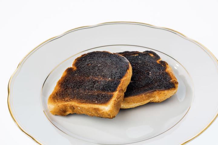 """Die Forscher empfehlen, den Toast maximal zu """"vergolden"""". (Symbolbild)"""