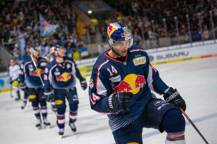 Eishockey-Profis des EHC Red Bull München werden künftig im SAP Garden ihr Zuhause finden. (Archivbild)
