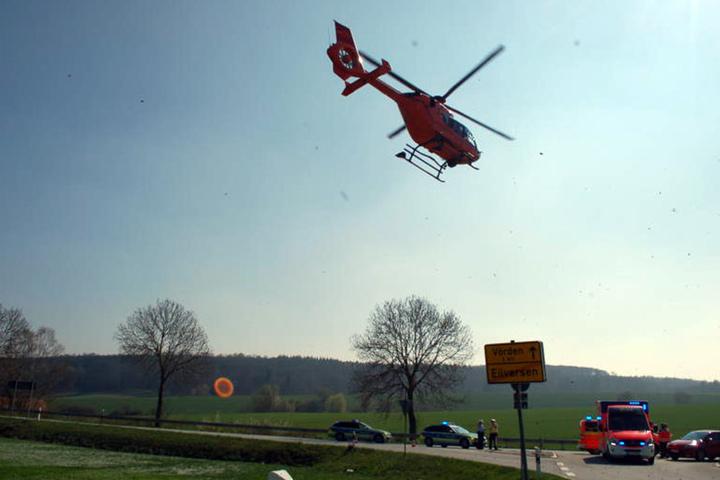 Die Schwerverletzte musste mit dem Hubschrauber nach Bielefeld gebracht werden.