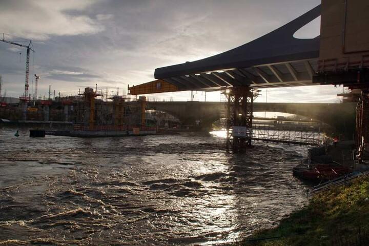 Die starken Wasserströme sollen noch einige Tage andauern.