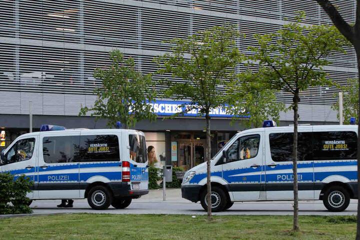 Die Polizei war mit einem Großaufgebot in der Innenstadt unterwegs.