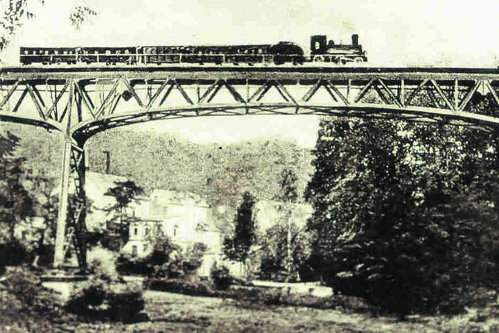 Das Eisenbahnviadukt Rabenstein wurde 1897 gebaut.