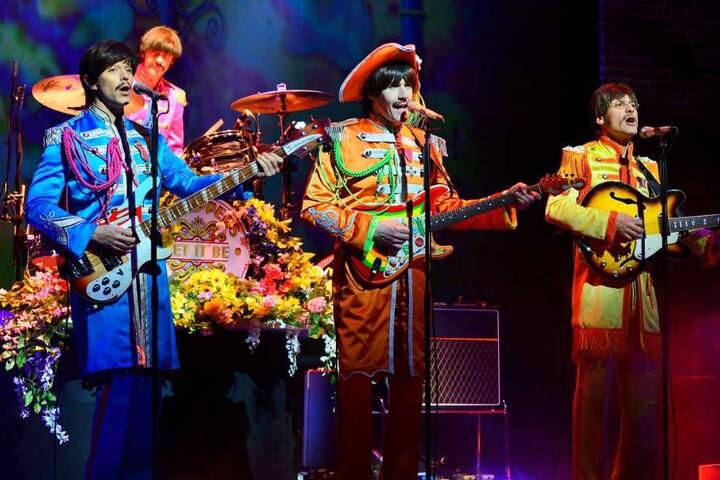 """Das Musical """"Let it be"""" zeigt Dir als Fan genau das, was Du sehen willst. Die Pilzköpfe wieder zusammen auf einer Bühne!"""