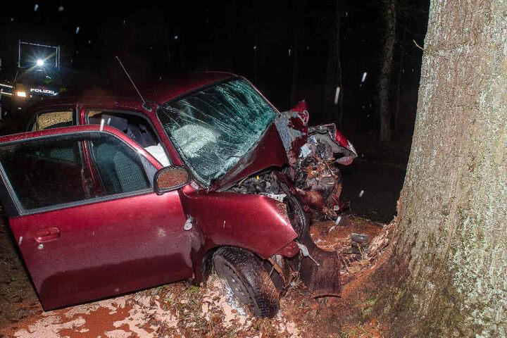 Der Daihatsu erlitt einen Totalschaden.