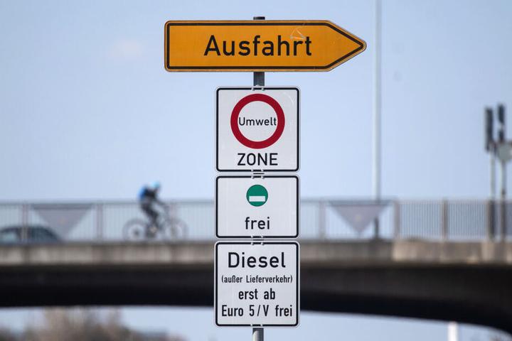 m Juli hatte der rot-rot-grüne Senat die Einführung der Fahrverbote für ältere Dieselfahrzeuge beschlossen (Symbolbild).