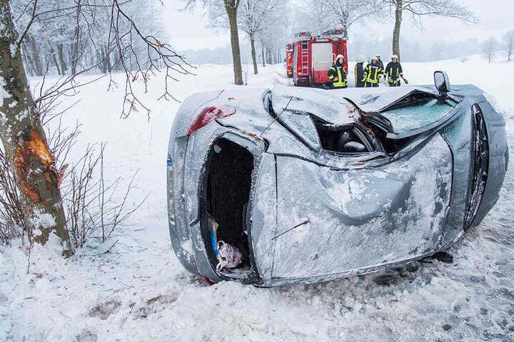 Am Toyota entstand erheblicher Sachschaden.