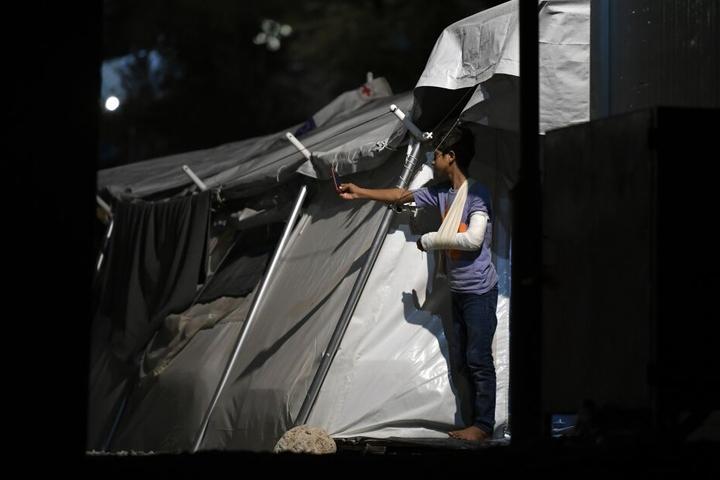 Mutter und Kind sterben bei Feuer in Flüchtlingslager