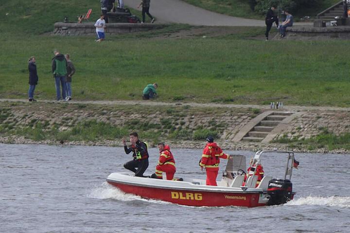 Am 1. Mai suchten die Einsatzkräfte nach einem vermissten Elbeschwimmer.