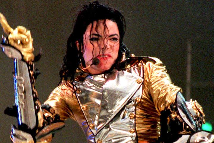 Mit seinen aktuellen Erfolgen bricht er sogar die Rekorde des King of Pop.
