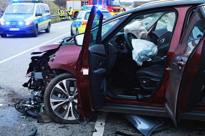 Die S175 wurde wegen des Unfalls voll gesperrt.
