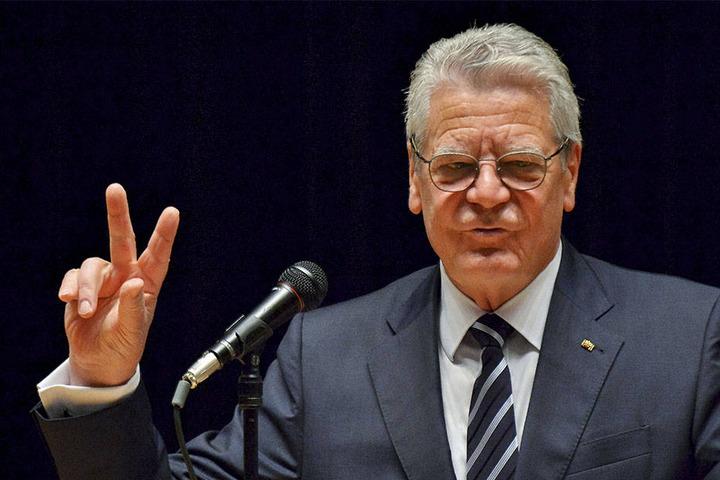 Noch-Bundespräsident Joachim Gauck (76) wird Roland Kaiser den Verdienstorden am 5. Dezember überreichen.