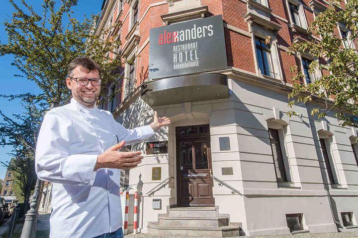 """""""Alexxanders""""- Chef Roland Keilholz (45) kam mit seinem Restaurant 1997 auf den Sonnenberg, glaubte schon damals an die große Zukunft des Stadtteils."""