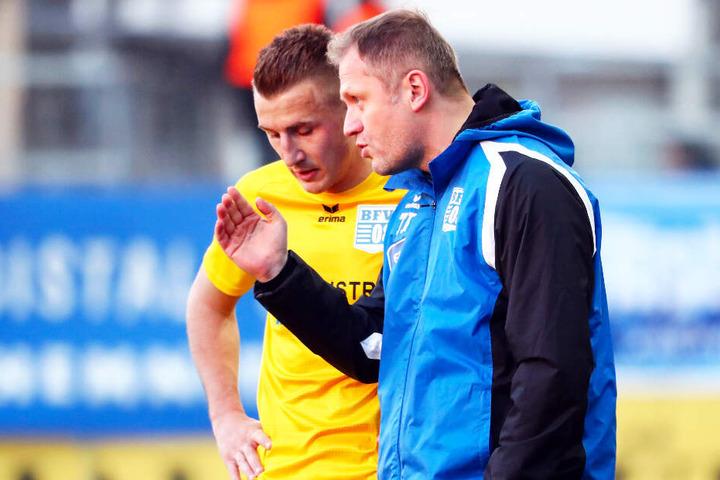 BFV-Coach Erik Schmidt muss in Zukunft auf Tommy Klotke (l.) verzichten. (Archivbild)